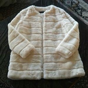 ZARA - white faux fur coat